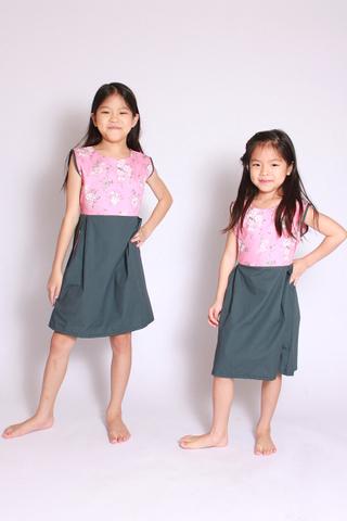 Mera Flair Dress in Pink (Little Girl)